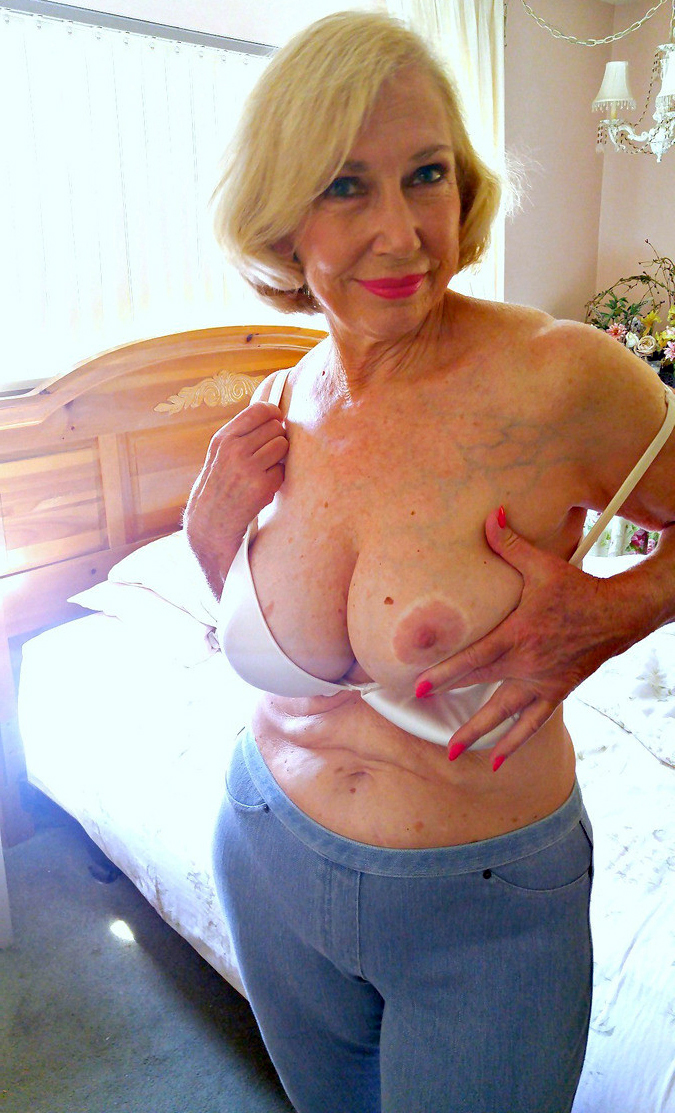 Old women sexy nude