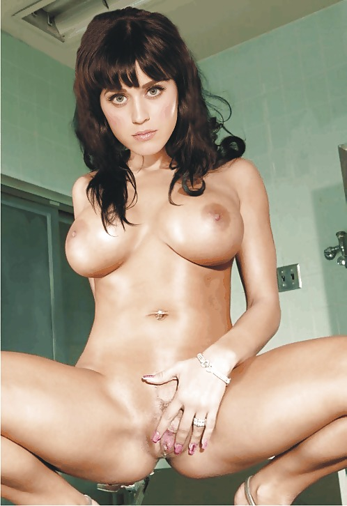 Katy perry showing her pussy