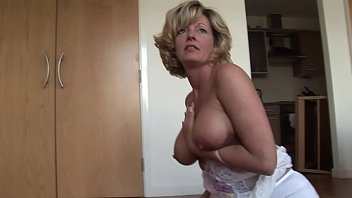 Naturally busty mature in lingerie