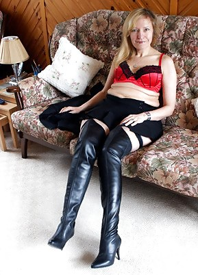 Picture milf sexy boots