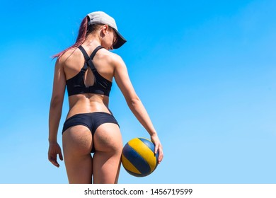 Sexy nude volleyball game